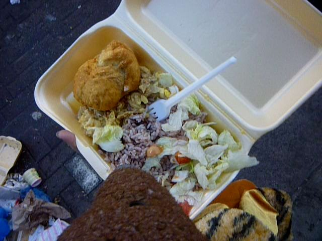 photo of Bearsac with food in a box